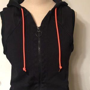 Women's NIKE COURT Hooded Vest